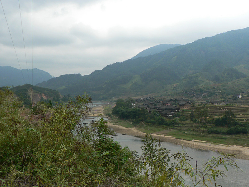 Photo stop past SanJiang town, approaching ChengYang.