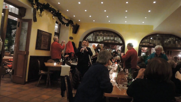 More fun at dinner in Rüdesheim!