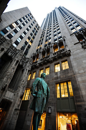Nathan Hale's likeness stands before Tribune Tower in downtown Chicago.