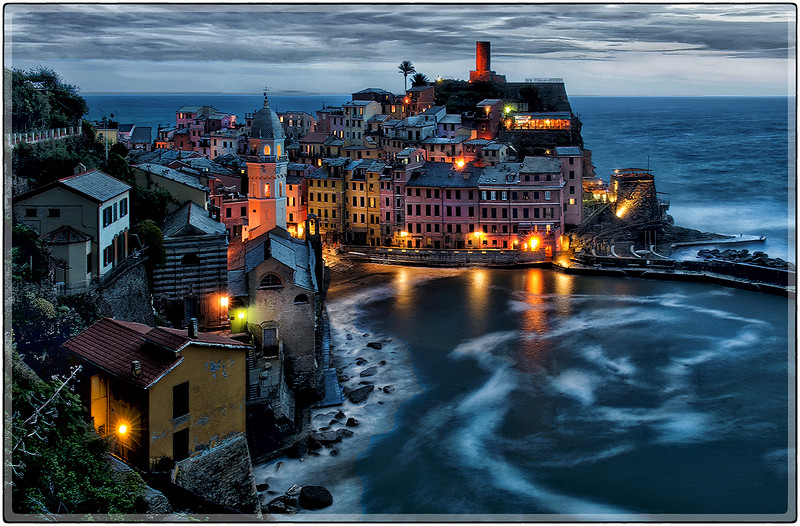 West of the Blue Hour, Vernazza