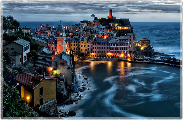 West of the Blue Hour in Vernazza