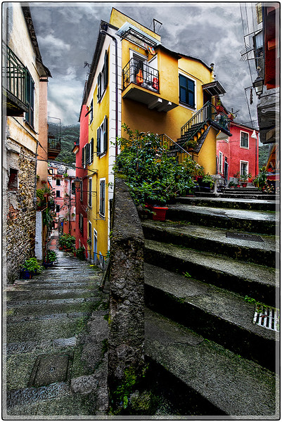 Alleyways of Monterosso