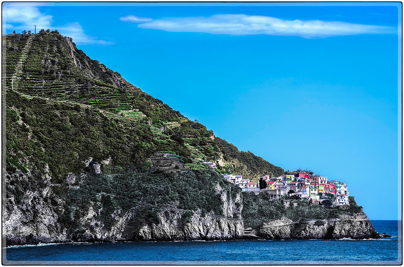 On the Edge of Corniglia