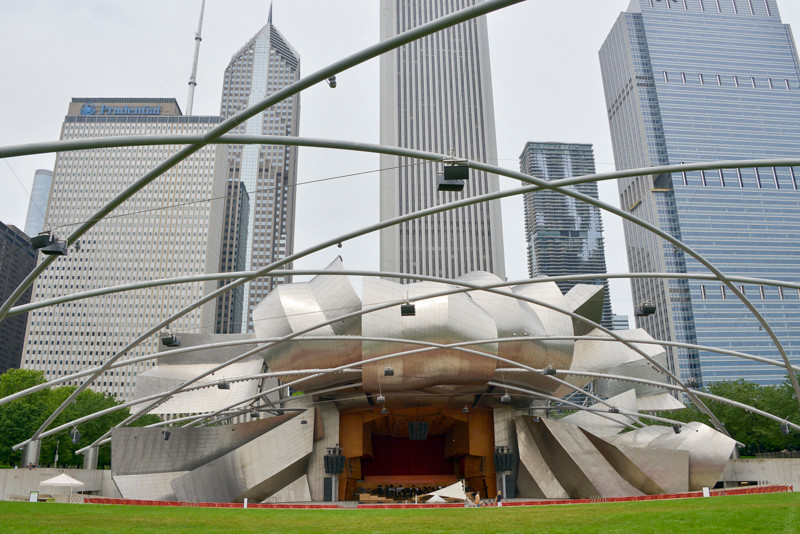 Chicago_Pritzker Pavillion-2