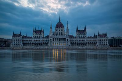 Dark and Gloomy Hungarian Parliament Building (Luminosity Masks)