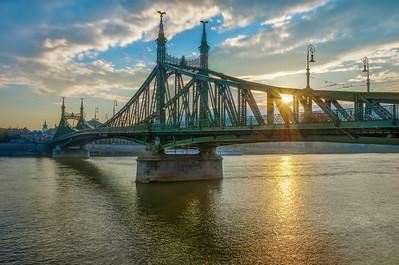 The Liberty Bridge (Oloneo HDRengine)