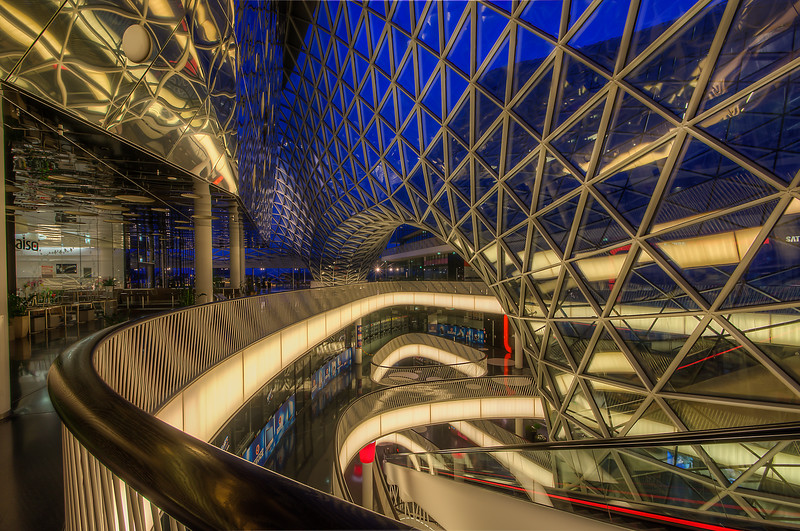 IMAGE: http://jre313.smugmug.com/Travel/GermanyFrankfurt-and-Munich/i-WWR8Cxg/0/L/MyZeil2-L.jpg