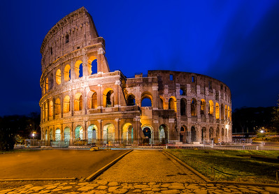 The Roman Colosseum 32 Bit