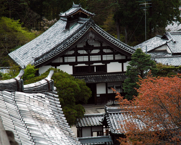 April 16th, 2006.<br /> view of a traditional kyoto house