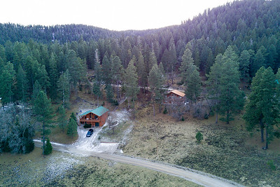 2016-12-28 We stayed four nights in this cabin in Cloudcroft NM