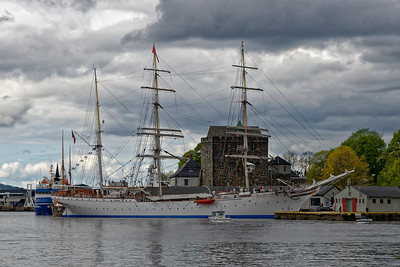Square-rigger, Bergen.