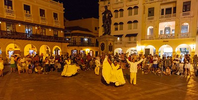 Local Entertainment in Cartagena Old Town - Dancing