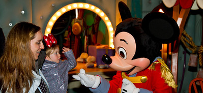 Scarlett Meets Mickey Mouse - Toon Town Disneyland (Jan 2013)