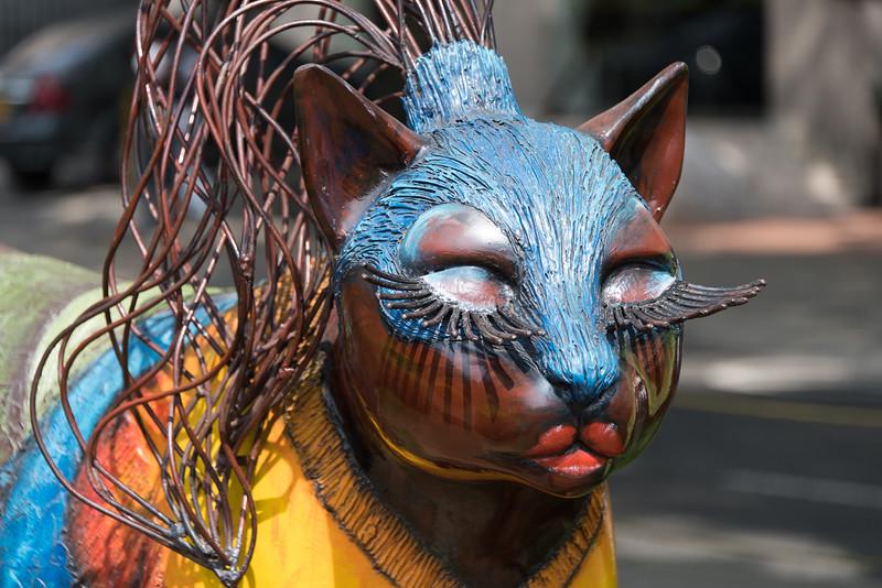 Cat sculpture in Cali park
