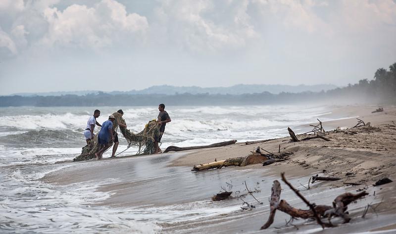 fishermen at Palomino / Colombia