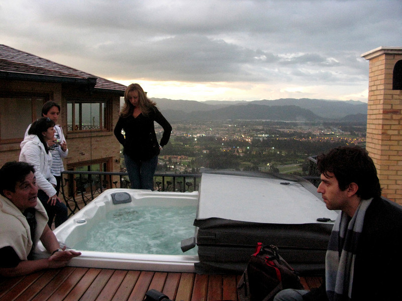 Cecilia shows us and the fam the rooftop Jacuzzi. Unfortunately, we didn't have our suits!