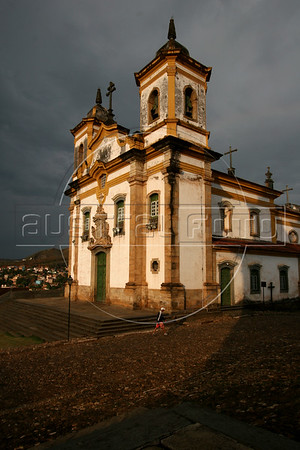 A view of the Sao Francisco Church in Mariana, the oldest city in Minas Gerais state, founded in 1703. The soapstone relief on the doorway is by Aleijadinho. Development of the region was fueled by the discovery of gold in the 18th century, which is the reason for the multitude of colonial cities. Today the state still depends on mining, but now it is iron-ore and other industrial minerals. (Australfoto/Douglas Engle)
