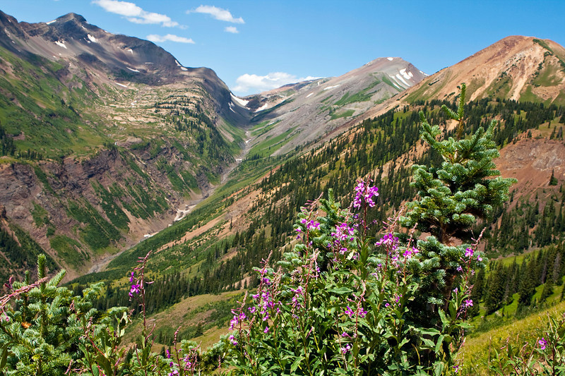 Yule Pass, Treasury Mtn & Cinnamon Mtn. You can see the hiking trail leading to Yule Pass.