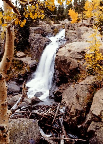 autumn_waterfall-t0061