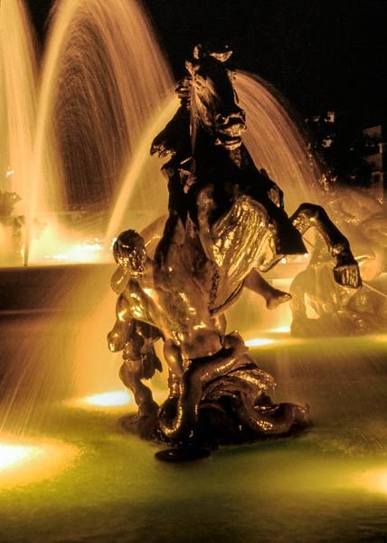 kansas_city_fountain-horse-t0079-80-hdr.