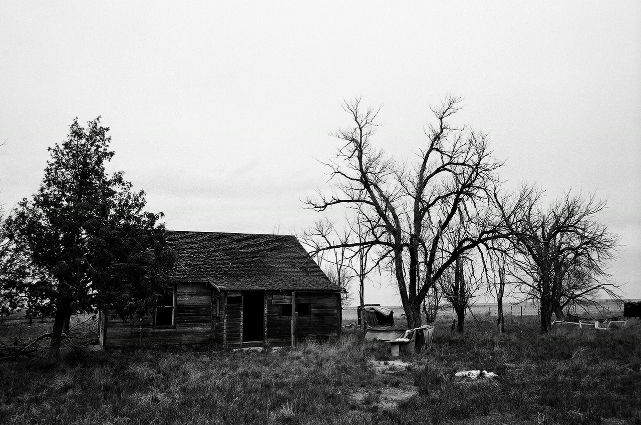 Abandoned house en route to Pawnee Buttes
