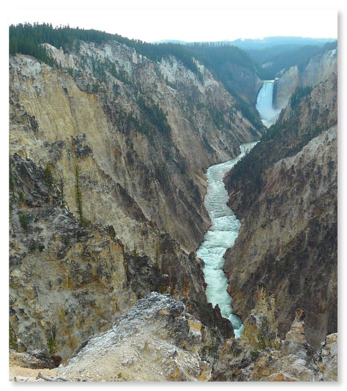 Upper falls of the Yellowstone (101382628)