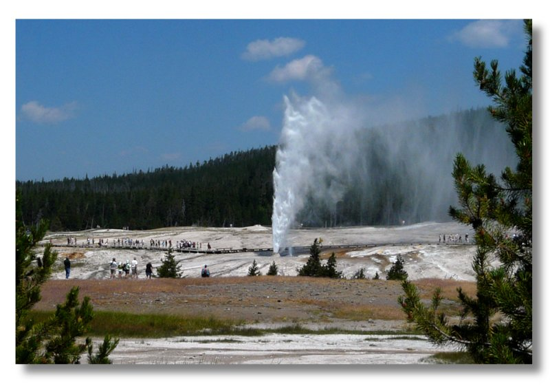 The Beehive geyser at Old Faithful area (101302943)