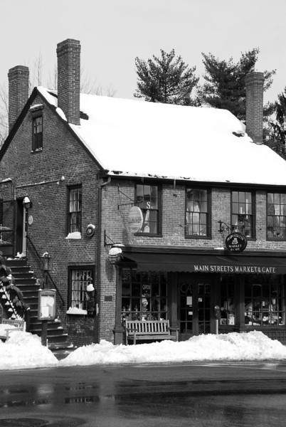 Anderson's Market turned Main Streets Cafe B&W