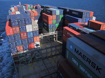 Wandelen tussen de containers