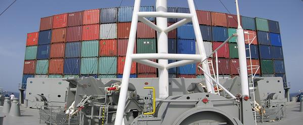 In de breedte maximaal 18 containers