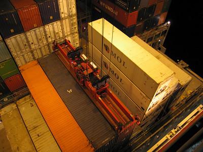 45 foot container uitladen