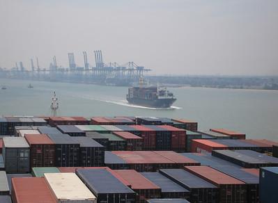 Containerschip 1744 teu