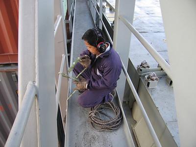 Zeelieden kunnen nog steeds vakkundig met touw omgaan