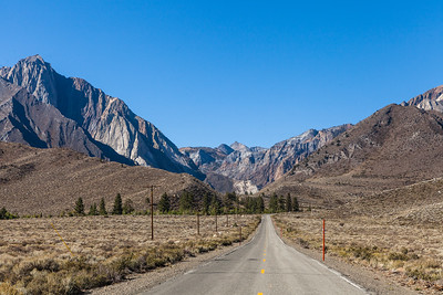 The road to Convict Lake, from highway 395