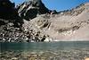 Lago en el ascenso al Monte Cintu