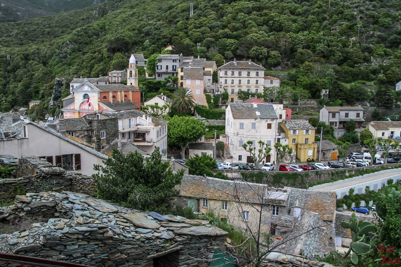 visiter le village de Nonza Corse - parking