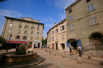 Het plein van Saint Florent. Corsica, Frankrijk.