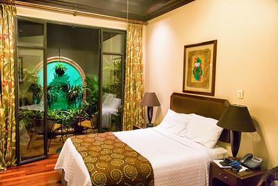 Grano de Oro hotel room with strange indoor garden