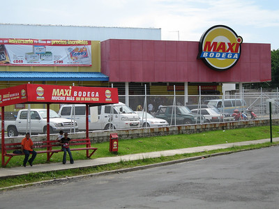 the MAXI BODEGA