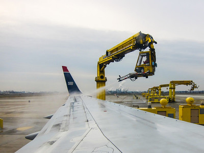 Deicing the wings in Philadelphia