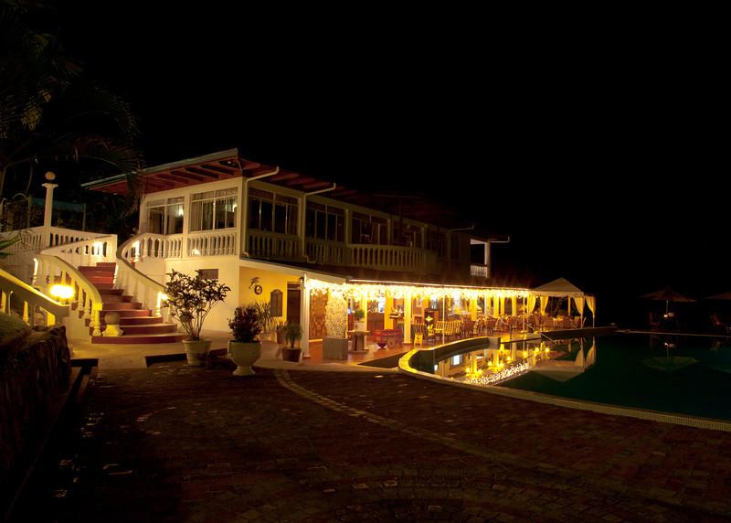 Costa Rica 2013: Uvita - 283 Hotel Cristal Ballena at night