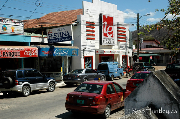 Street scene in Nicoya, Costa Rica. © Rob Huntley