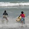Surfers, Playa Sámara