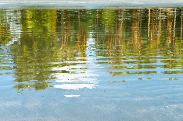 Samara beach reflection