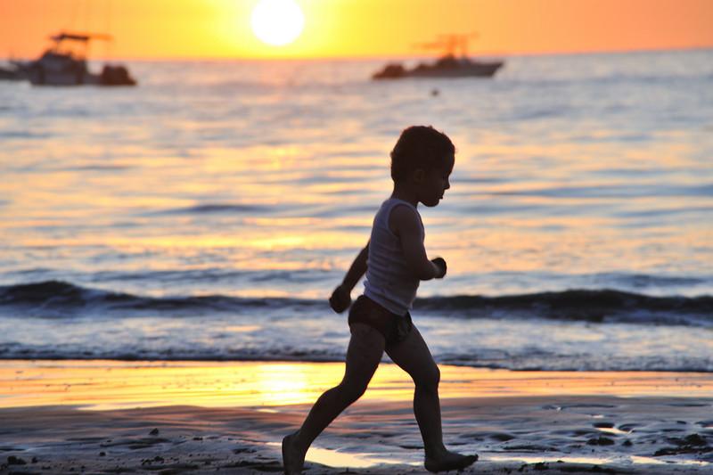 Samara sunset play