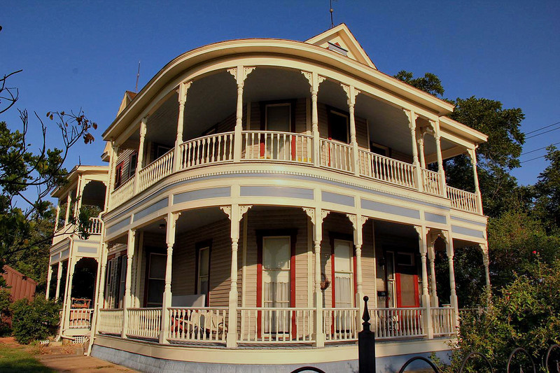 Restored Victorian home is LaGrange, Texas, 4-1-2011