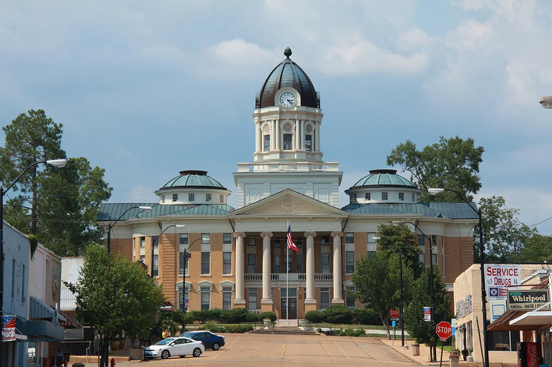 Mendenhall, Mississippi courthouse, July 10, 2011