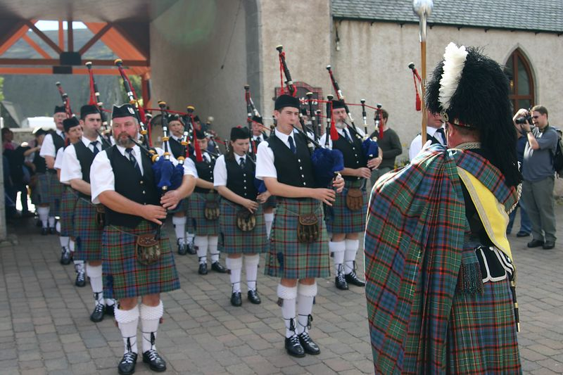 Pipers for the Queen