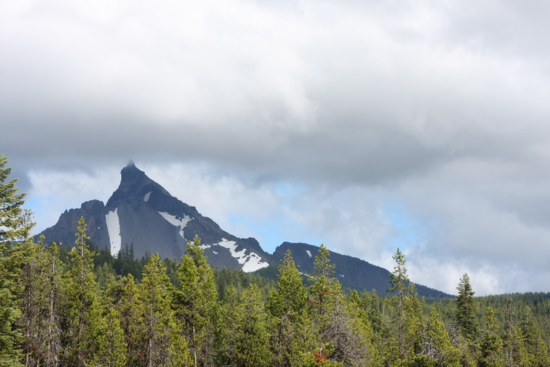 Mt. Thielsen (Cloudy)