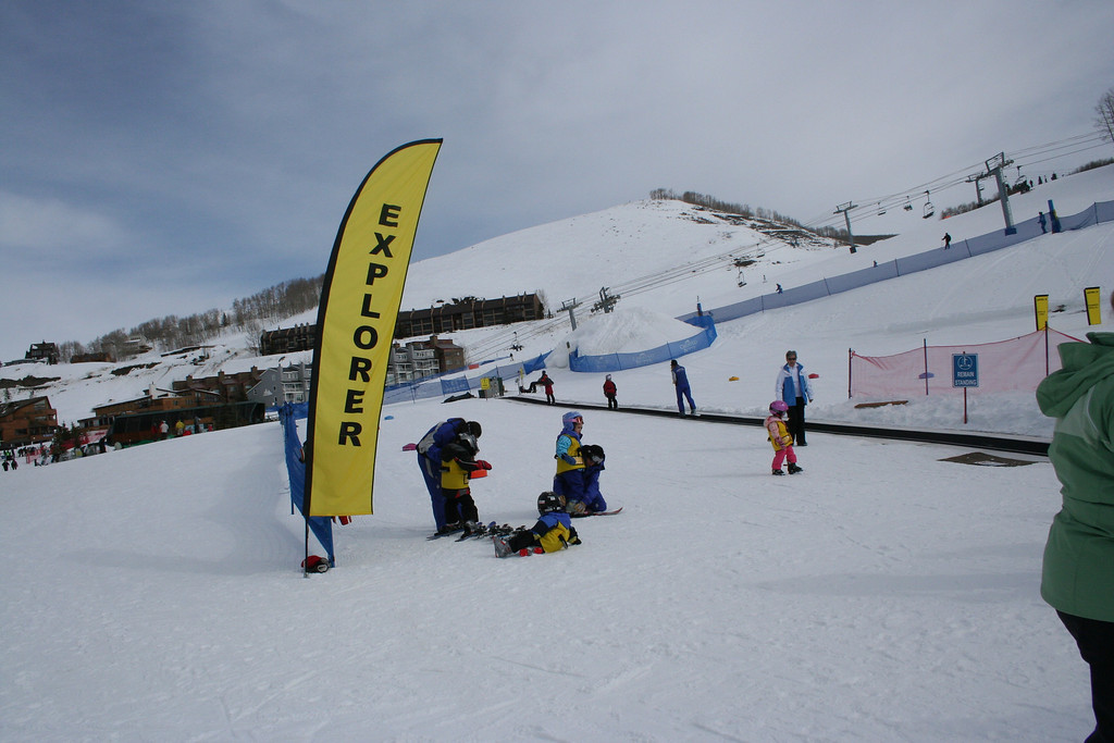 Little ones learning to ski